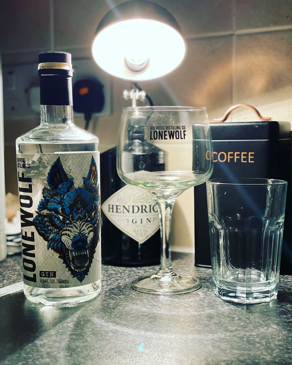 Tonight's tipple @LoneWolfGin and bitter lemon #lonewolfgin #gin