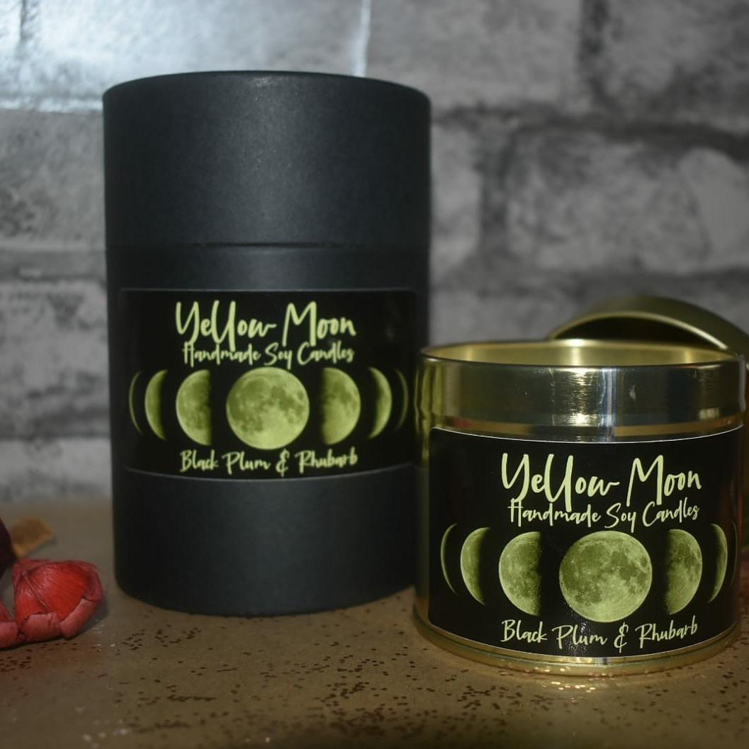 Monday's candle. #monday #fruityfragrance #blackplum #rhubarb #candleday #gifts #shopsmall #scentedcandles