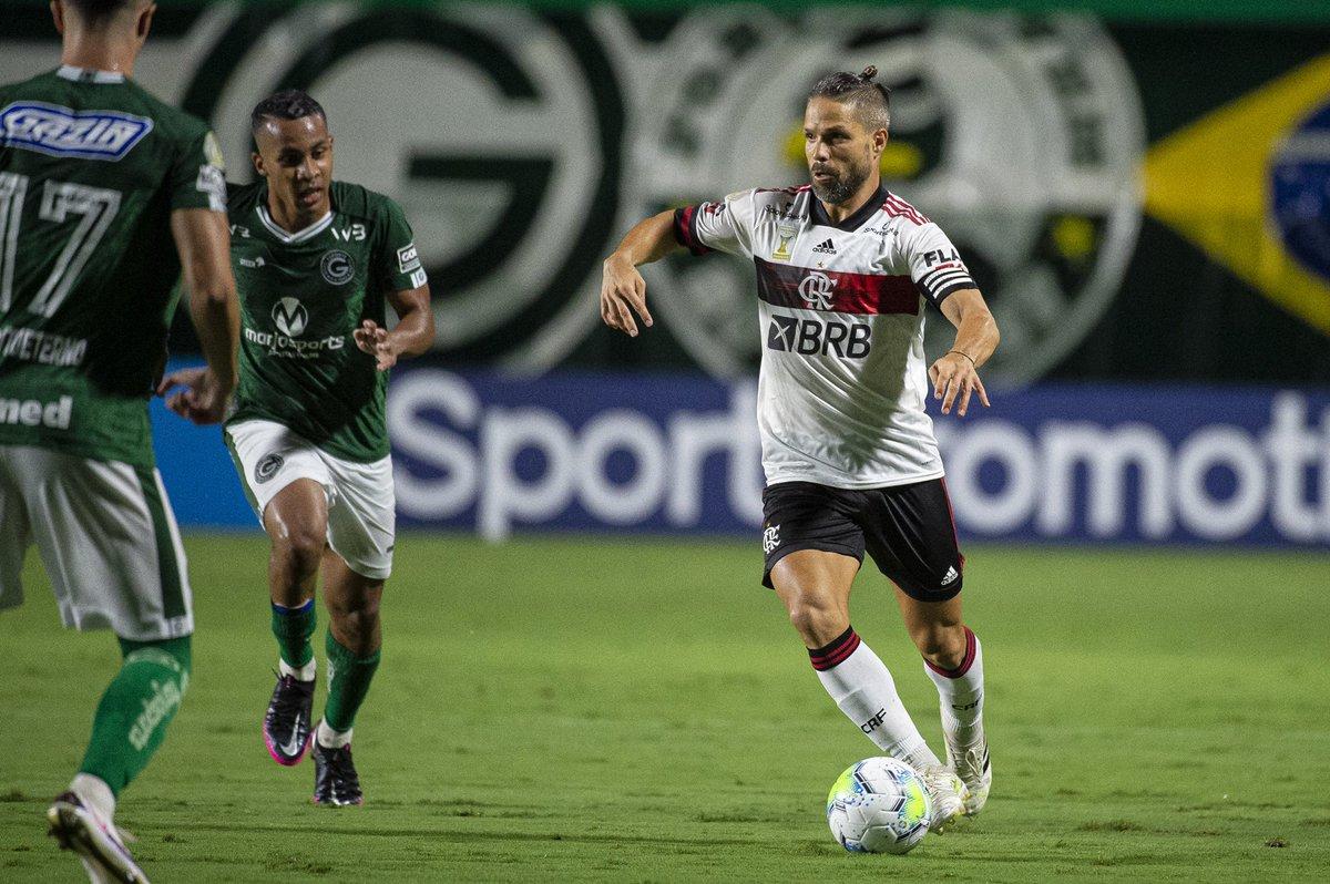 Vamos em frente, Nação!   Nosso próximo desafio é contra o Palmeiras, quinta, no Mané Garrincha! Pra cima!   #CRF #VamosFlamengo   📸 @AlexandreVidal1 / CRF