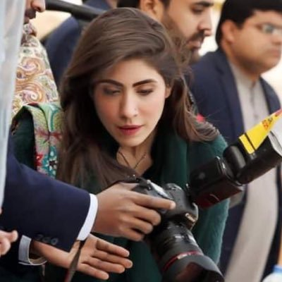 Happy Birthday to you most Beautiful personality. 🎂😍💖May you live a very happy, healthy & long life..Ameen😇 A lot of love' Respect  & prayers for you😻 @hinaparvezbutt 🎂💞👈