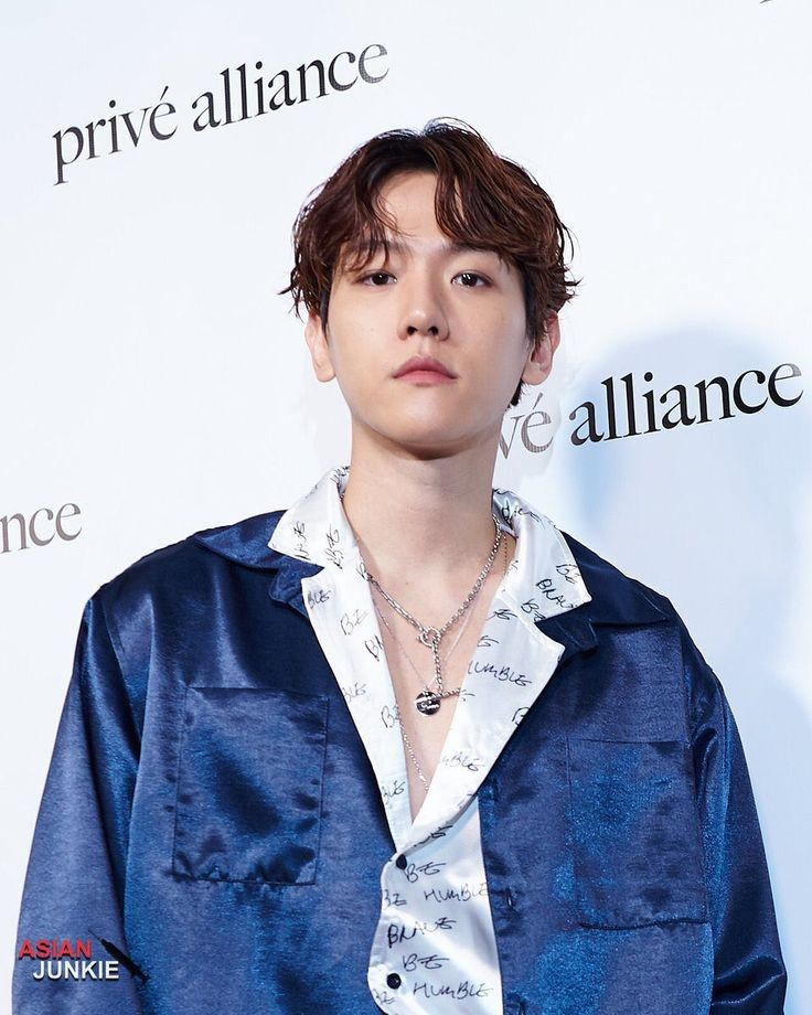 Boss byun baekhyun@weareoneEXO   #EXO @B_hundred_Hyunベクヒョン Get You Alone #BAEKHYUN👇
