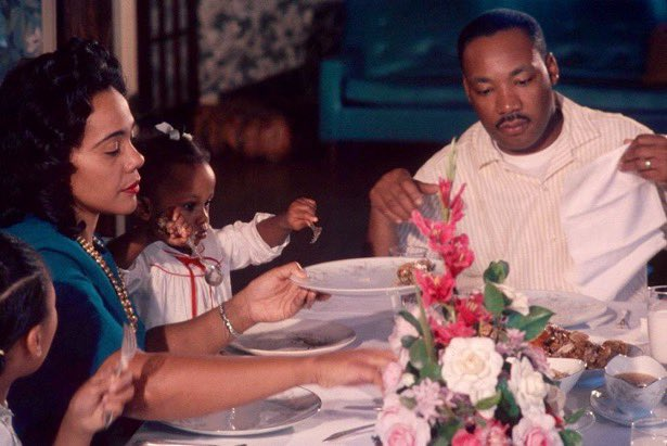 """I will only post Dr. King in color to remind them not it was NOT that long ago.   """"Dinner with Kings"""" @BerniceKing #MLKDay"""