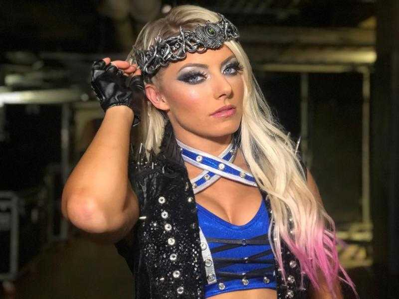 Daily Alexa Bliss pic! #WWE #WWERaw #SmackDown - RT and FAV for the Goddess 🔴🟥🔴🟥