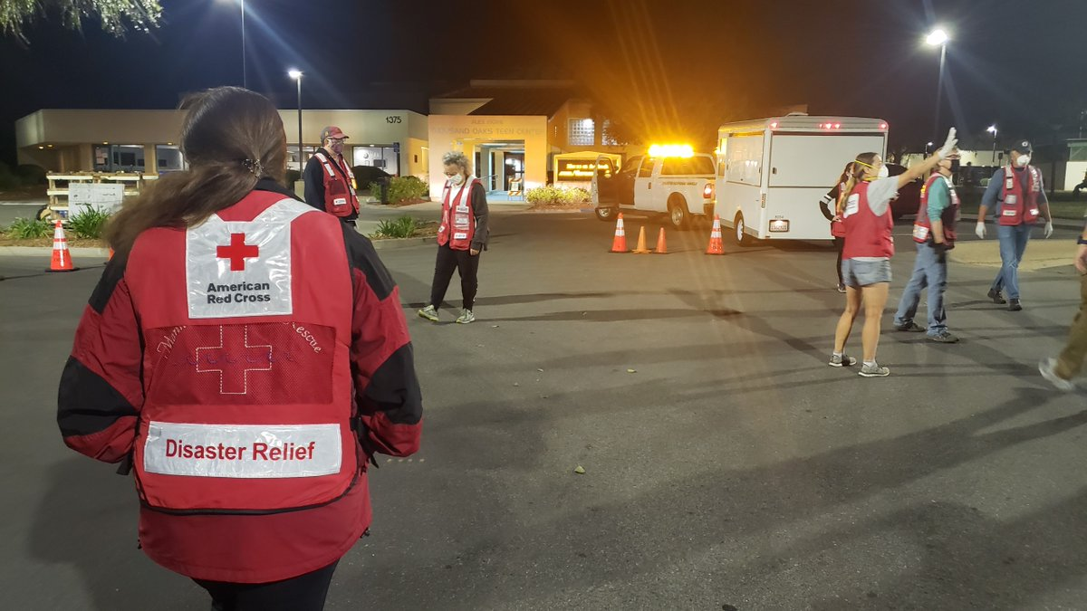 Wildfire conditions in January? Just last Friday, our team from the Pacific Coast chapter opened a temporary evacuation point in Thousand Oaks in response to the #ErbesFire   If you're interested in becoming a volunteer, get started at