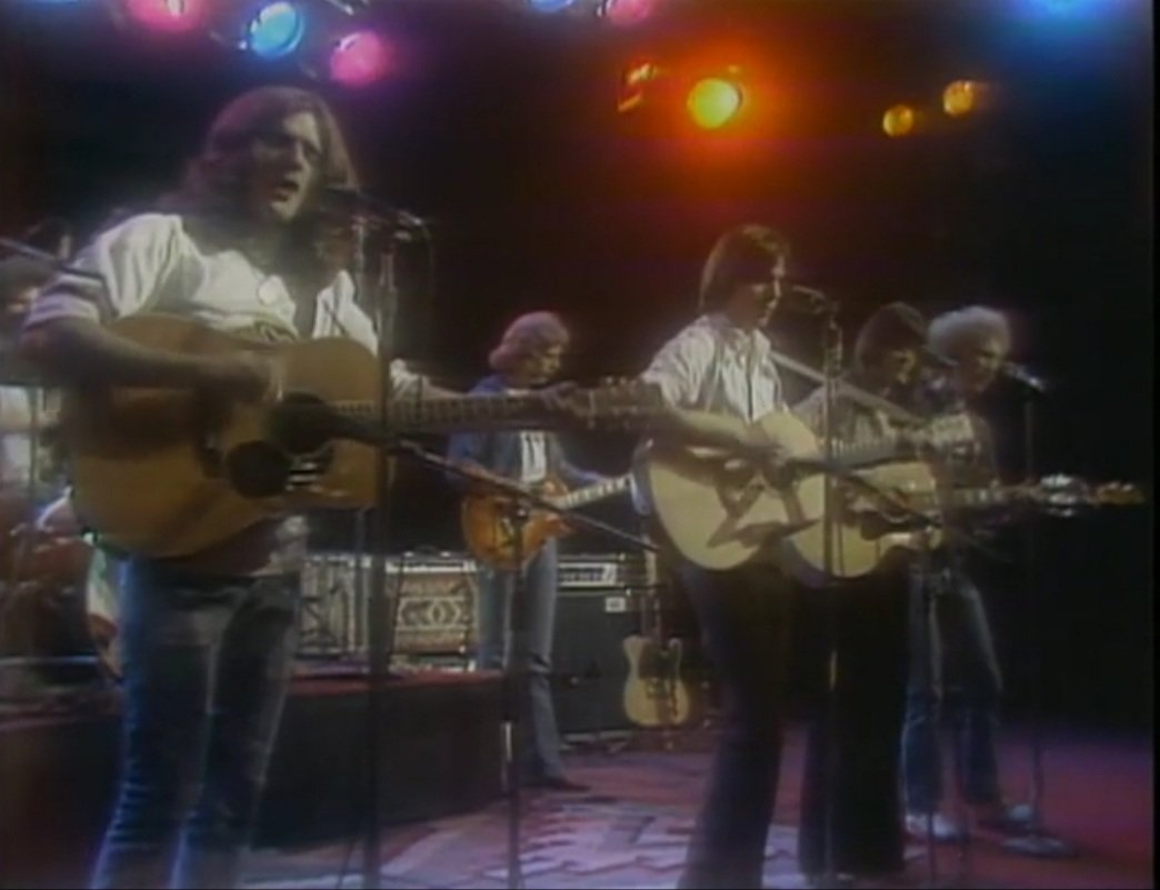 #TheEagles with #LindaRonstadt & #JacksonBrowne (1974)  🎶 'Take It Easy'   → https://t.co/3rb4ijlLWK https://t.co/XdNfUKQJLd