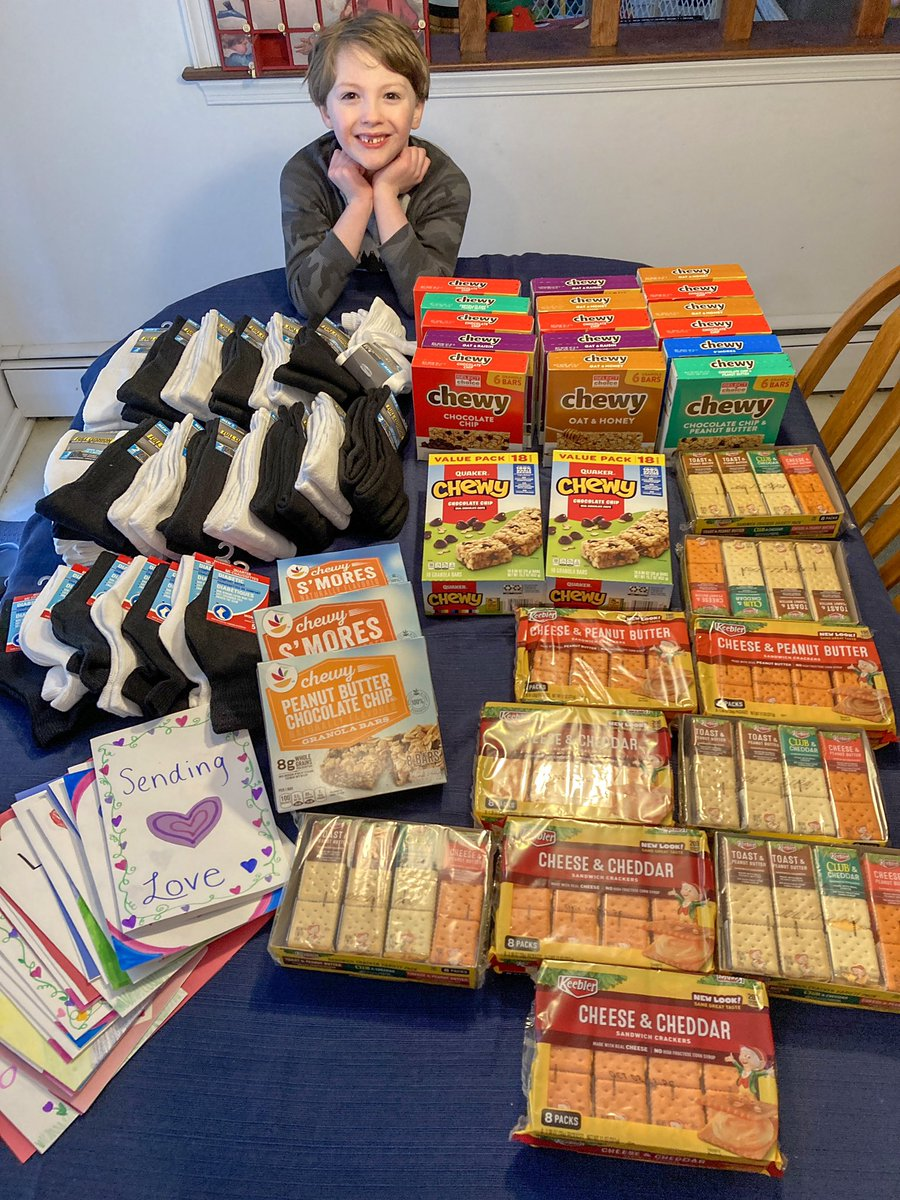 For #MLKDayofService today, we also shopped for items for @6GC_QCSD outreach project! These items will go to the homeless as a bundle of crackers, granola bar, and new socks!❤️ #MLKJr #service @BillHarner #kindness #qcsd #cbsdproud #cbstrong #doylesoars @mlkdayofservice