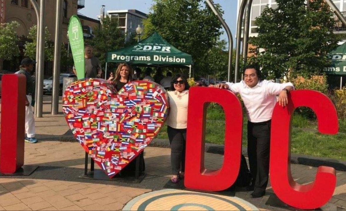#WeAreDC, la capital de la nación, es una gran ciudad dirigida por el tremendo liderazgo de nuestra Alcaldesa @MayorBowser. Somos más de 712,000 contribuyentes sin representación en el Congreso #DCStatehood.