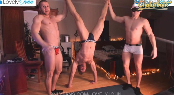 1 pic. #yoga with the Boys on @chaturbate  had so much fun! @MartinHard99 @roobinisgood https://t.co