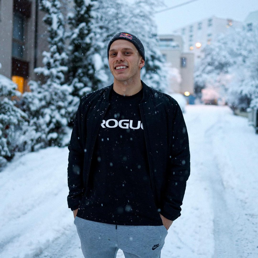 #repost Jonne Koski ROGUE since 2014  Happy to continue in the Rogue Fitness Athlete team for the new season. I'm thankful to have had such an amazing company supporting me since the beginning of my career. Bring on 2021! 💪🏻  #RYOUROGUE
