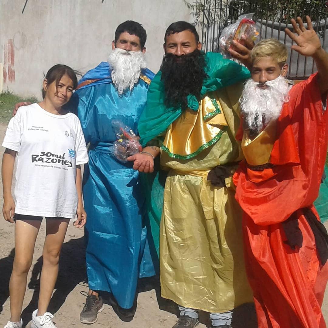 Festejo de Reyes en el Barrio Sayonara  Una gran sorpresa y alegría para lxs niñxs  fue la llegada de los #ReyesMagos llevando regalitos e ilusiones.  Gracias a lxs compañerxs y vecinxs por el enorme trabajo y dedicación.   #FrenteBarrialCTA