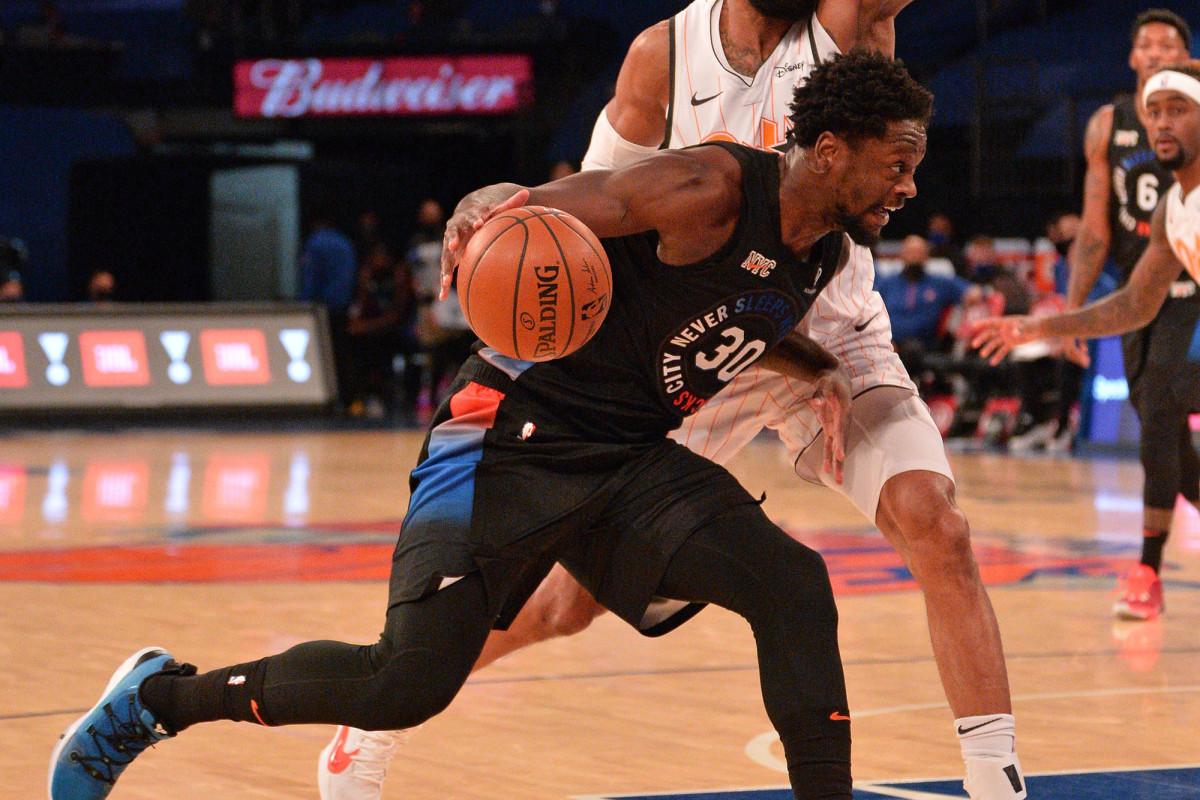Exhausted Julius Randle delivers clutch Knicks performance https://t.co/cLlPQVP6xs https://t.co/dtScSjwdu0