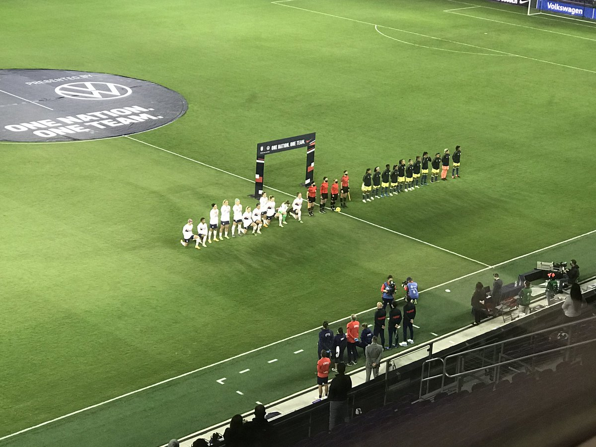 Anthem time here in Orlando. Lloyd, Horan, O'Hara and Ertz standing, the rest of the USWNT take a knee.