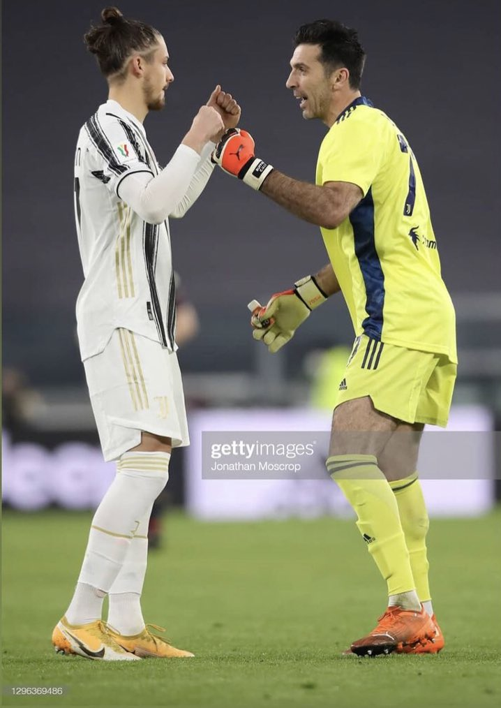 The big legend Buffon with Dragusin after the Coppa Italia win vs Genoa  Always good for a young defender to be around players with years of knowledge and experience  Pirlo, Ronaldo, Chiellini and Bonucci some others  #Juve #Juventus https://t.co/SBSmRwiUrZ