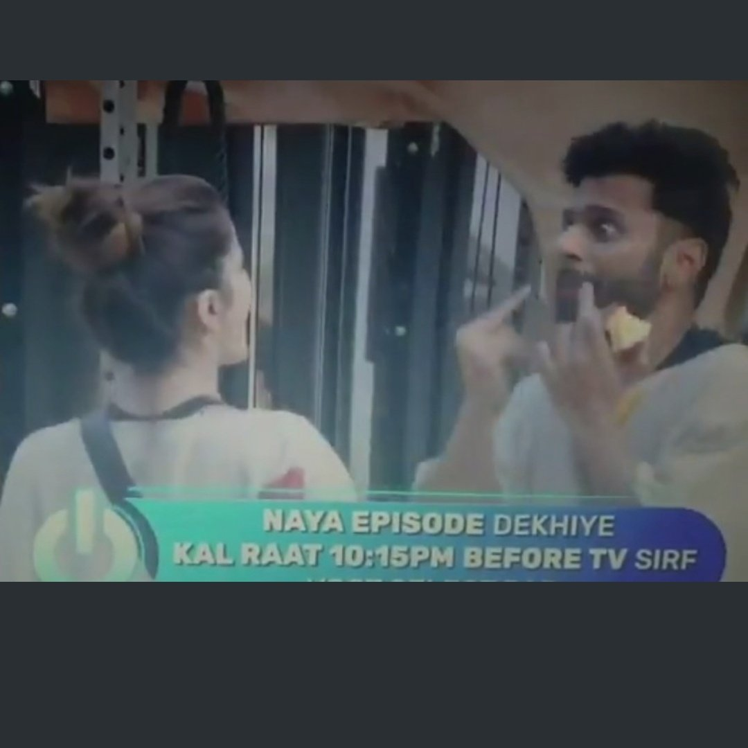 Pinky finger was made the biggest issue on WKV. But this guy is showing actual middle finger from both hands. Will this be raised in WKV .  @ColorsTV @BiggBoss @BeingSalmanKhan   #BB14 #BiggBoss14 #RubinaDilaik https://t.co/ORpo52aH5n