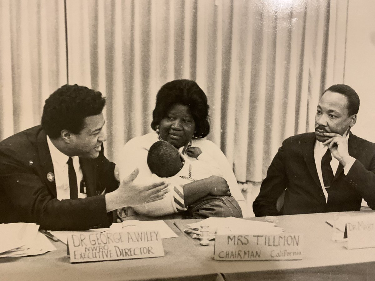 My father, George Wiley with Johnnie Tillmon, 1 of the powerful leaders he organized with and was Chair of the board of Nat'l Welfare Rights Org w Dr. King in '68 discussing Poor People's March. The fight against economic exploitation of Black women continues. #MLKDay2021 https://t.co/UZF7siz9Sv