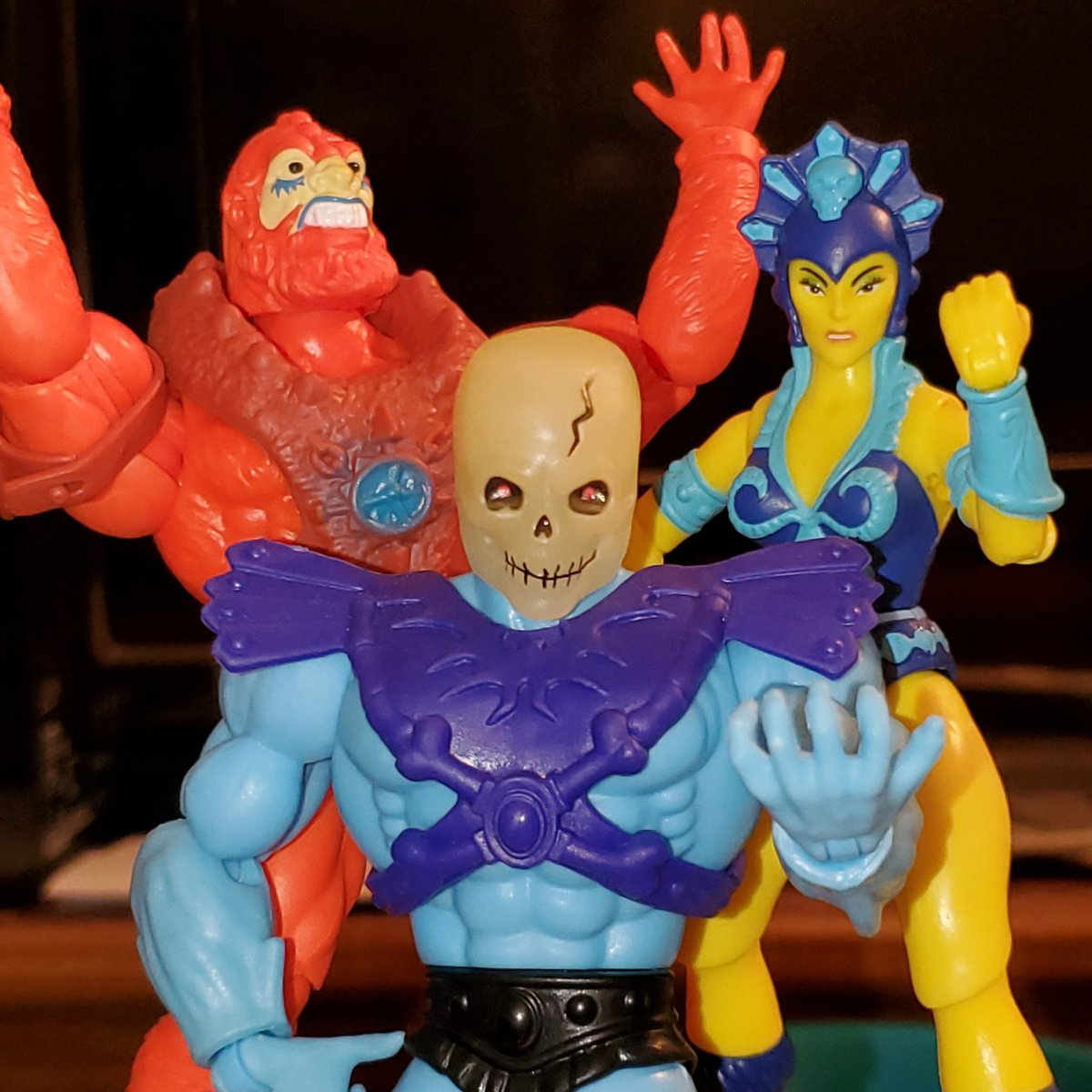 Took me WAY too long to get this pose together! But gonna be using it as reference for a group shot of some of my original baddies: The Mythos Men from Ramona & Clay. We'll see what happens tomorrow! #motu #motuorigins #toys #toyphotography