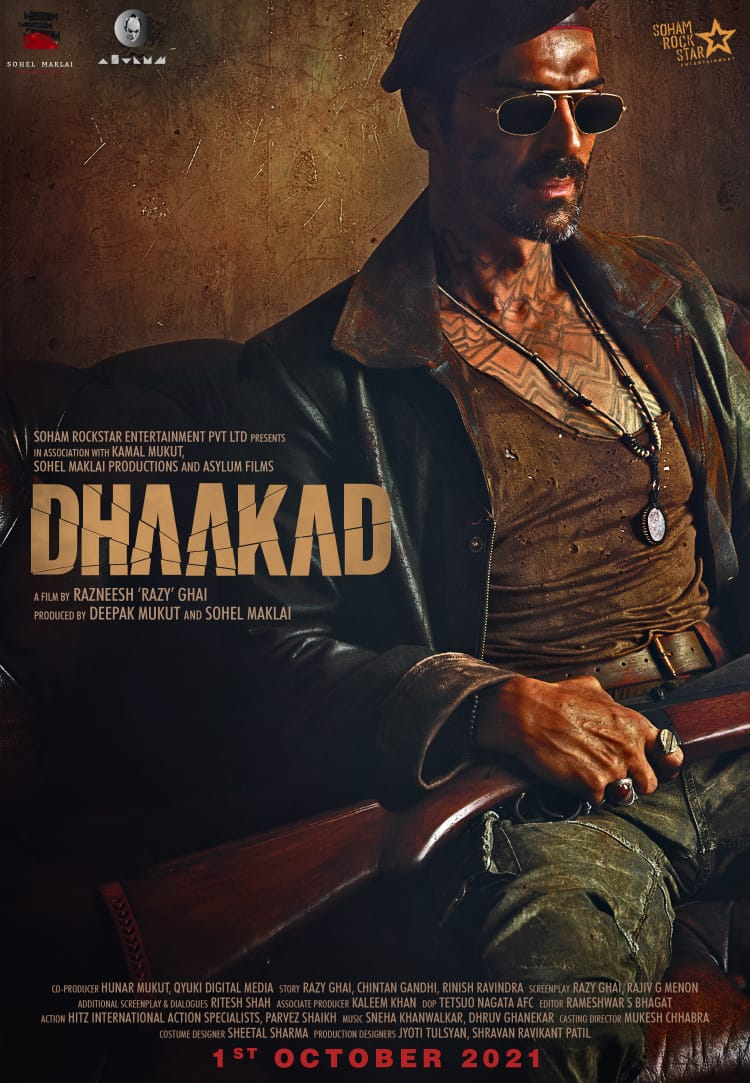 KANGANA - ARJUN RAMPAL: #DHAAKAD... #ArjunRampal as #Rudraveer - the villain - in #Dhaakad... Stars #KanganaRanaut as #AgentAgni... Directed by Razneesh 'Razy' Ghai... Produced by Deepak Mukut and Sohel Maklai... 1 Oct 2021 release [#GandhiJayanti weekend]... NEW POSTER...