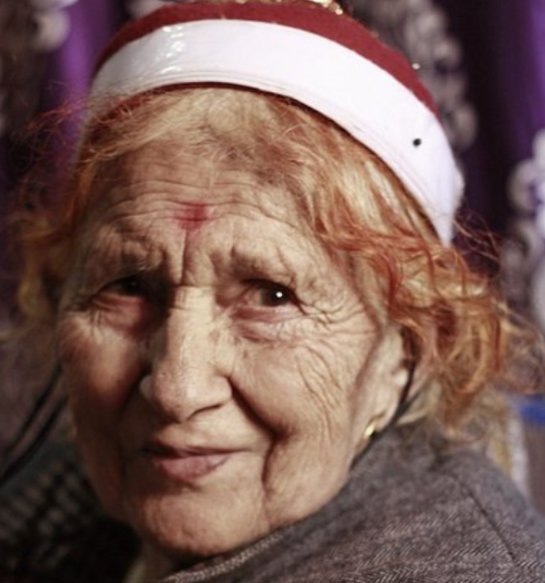 The #KashmiriHindus were made to live worst nightmare after the #KashmiriHinduExodus. They were forced to live in camps and tents in spine chilling winters. They left in 1990, but when will they return to their Mauj Kasheer n/n .@prernakaul