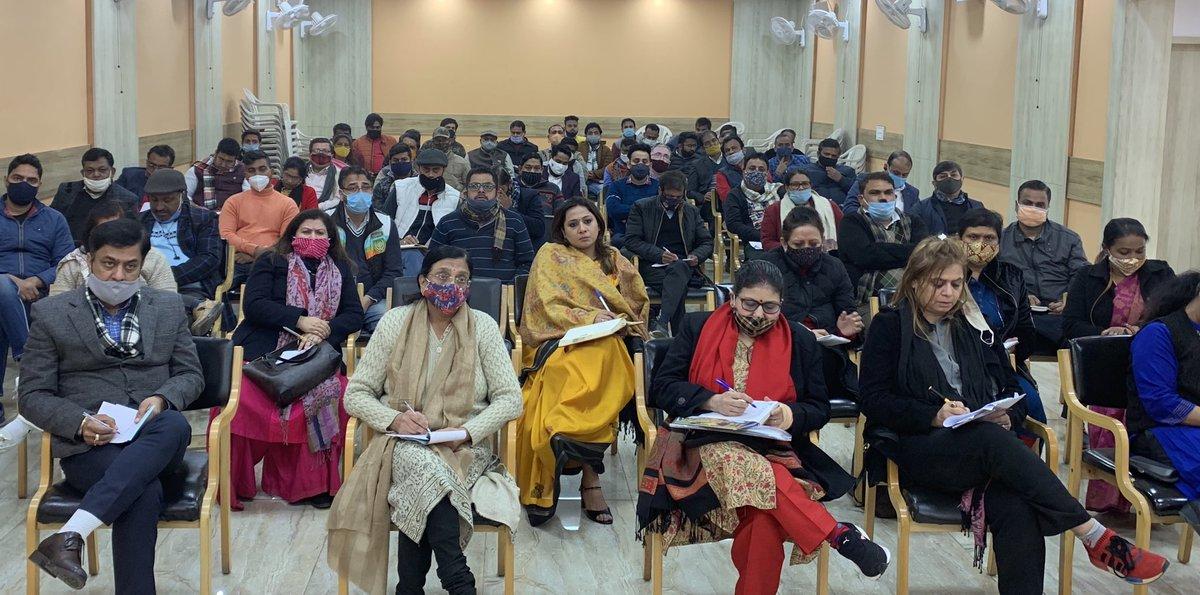 आज BJP नई दिल्ली ज़िले की बैठक में जाना हुआ बैठक अध्यक्ष श्री प्रशांत शर्मा जी के नेतृत्व में हुई।संगठन के आगामी कार्यक्रमों की चर्चा हुई ।ज़िला प्रभारी राजन तिवारी जी सहप्रभारी मोहनलाल गहरा जी ने  प्रदेश से मिले कामों की जानकारी दी @adeshguptabjp @siddharthanbjp