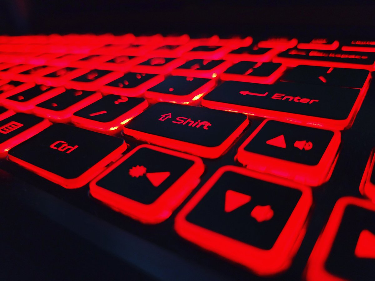 @Acer @AcerAmerica  Lovin this afterglow! What does your keyboard look like? post it and tag me!  #redmonday #redday #redthings #keyboard #gamer #laptop #afterglow #gaming