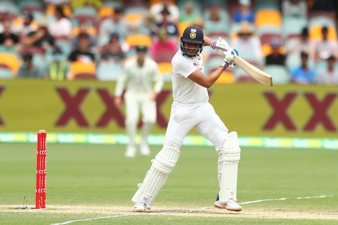India reaches lunch at 83-1 on day 5, final test v Australia Photo