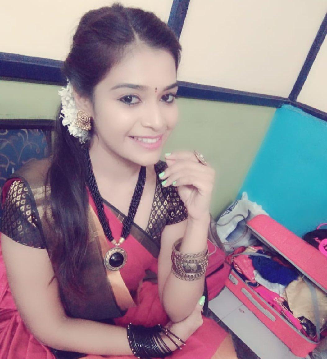 💝💜 ஒரு முறை கடிதம் எழுதி வைத்தேன்... நீ எனும் என் வாழ்வின் விழாவைக் கொண்னாடுவேன் என்று!! வெரும் கடிதமாக இருந்தது என் வாழ்க்கையின் லட்சியமானது 💝💜 @DharshaGupta 💖💖💖  #dharshagupta #actress #twitter #love #life #celebration
