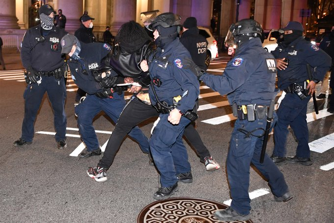 Dozens arrested in NYC as cops, protesters clash outside City Hall Park Photo