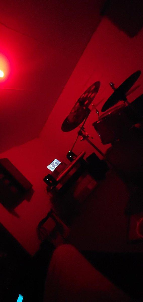 #Vibez I might create tonight. I need some company