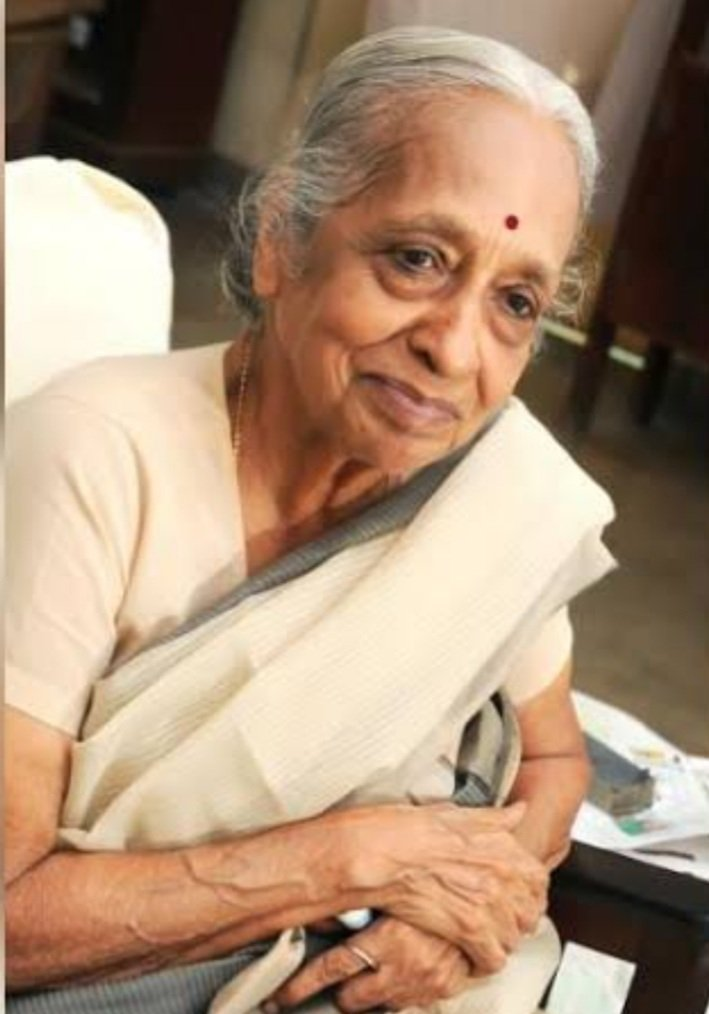 What an inspiration she was. Dedicated her life to serve people. A pioneer in medical world. A very well known oncologist who healed millions. More importantly came across as a mother caring for her patients. Her smile n words touched millions of hearts. #DrShanta #RIP 🙏🙏