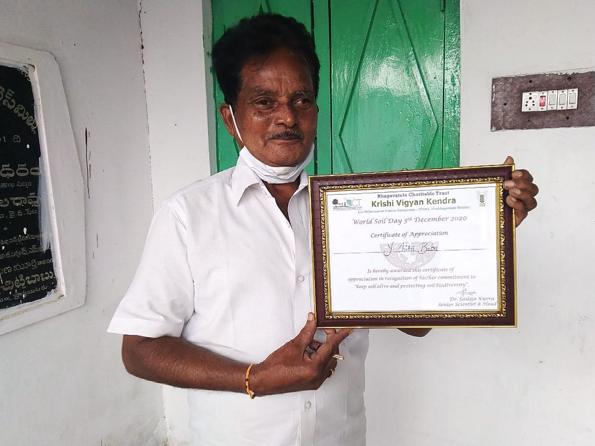 Y Chittibabu of Sharabavaram, was felicitated for farming initiatives @BctKvk on #WorldSoilDay. He felt so honored, he even framed &  displayed the certificate. How often we forget to thank & celebrate heroes who bring food to our tables. This Sankranti let us thank #farmers.