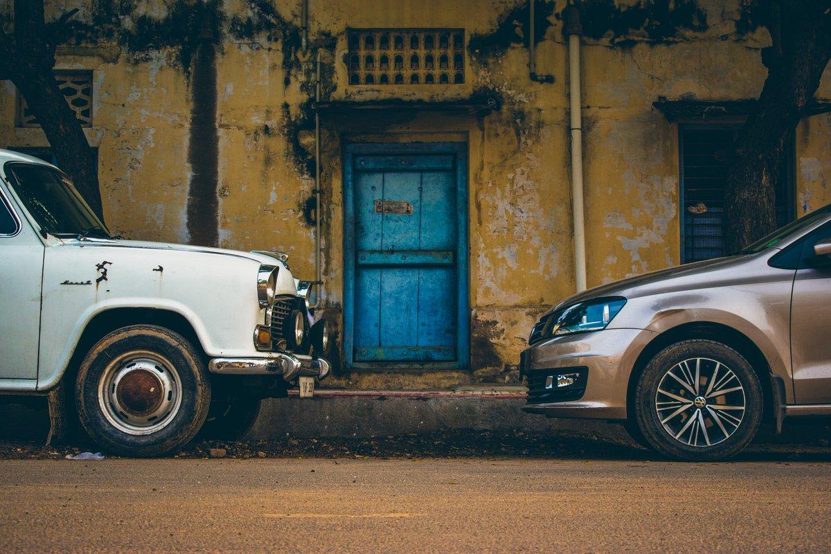 Vintage & Modern 😍❤️ #car #vintage #architecture #photo #photos #photography #modern #design #PhotoOfTheDay @NikonIndia @vikatan #vikatanpixel @jmgpix @MagnumPhotos @KirstenAlana @nytimesphoto @photoshelter @Photospice @photoriphy @aap_photos #automobile @NikonUSA