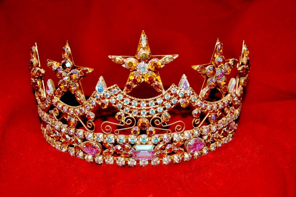 Wear your crown Ladies 😁. #confidence #selflove #happy #lovemyself