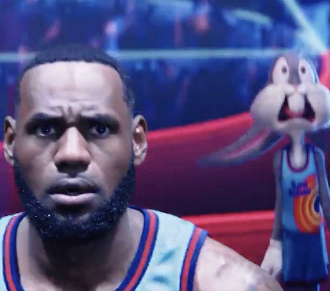Lebron watching his team lose a 19 point led to the Warriors  #GSWvsLAL