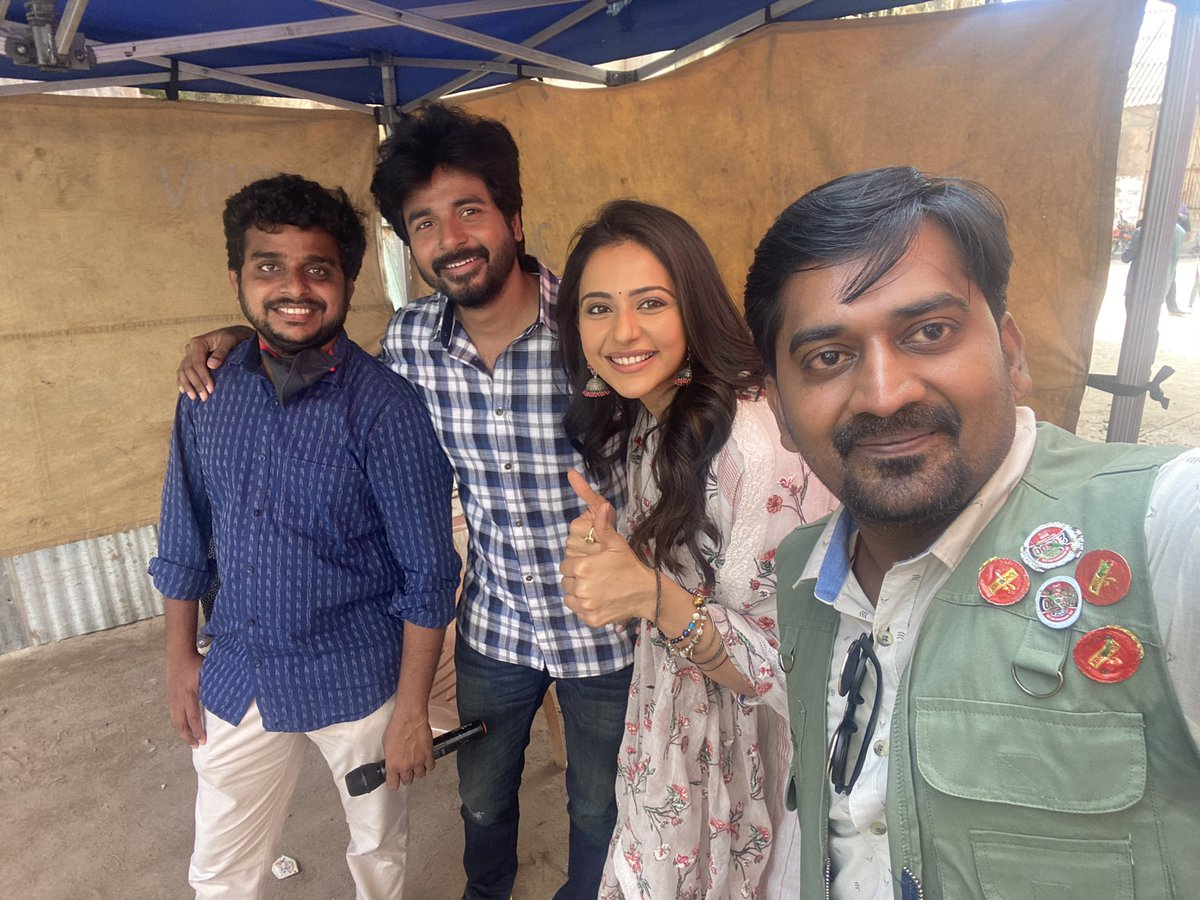 Almost wrapping last schedule of #ayalaan 😁 last 3 days for me.. what a passionate director @Ravikumar_Dir and sweetest costar @Siva_Kartikeyan ! ❤️