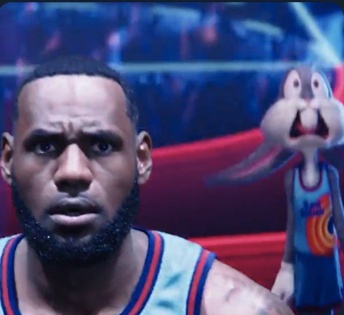 Lebron watching steph hit that 3 over AD #GSWvsLAL