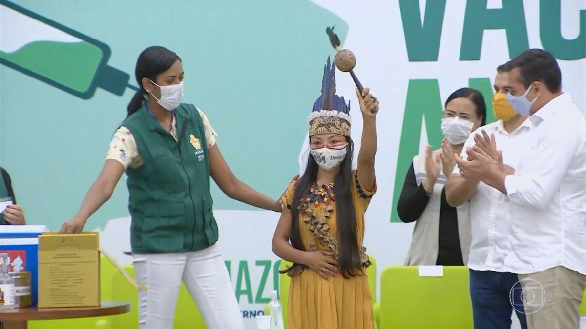 Manaus recebe as primeiras doses da vacina contra a Covid-19. Ao todo, o estado recebeu 306 mil vacinas na noite desta segunda-feira (18) - 256 mil doses do Ministério da Saúde e outras 50 mil doadas pelo Governo de São Paulo:  #JG