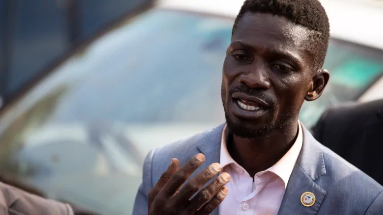 Why is @HEBobiwine Under house arrest, can @KagutaMuseveni Tell the world. #Uganda