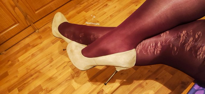 Some sexy #legs ❤️ #tights #tightsfetish #feetfetishworld #feetfreaks #feetnation #footfetısh #footworshi̇p