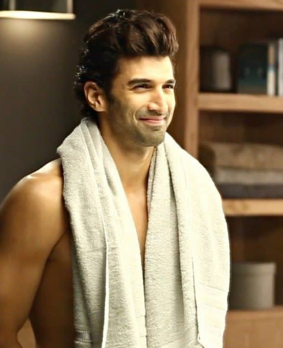 #Repost @bombaytimes We are out of breath Already 🔥 @adityaroykapur . . #adityaroykapoor#adityaroykapur
