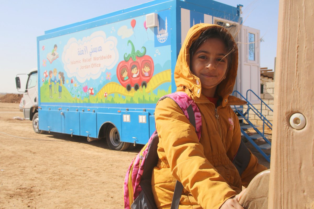 Education is a #HumanRight that every child deserves. But for refugee children like Hiba, the risk of missing out on school is severely high. Thanks to our mobile education unit in #Jordan, Islamic Relief has brought hope to 330 children! #ForRefugees 📚