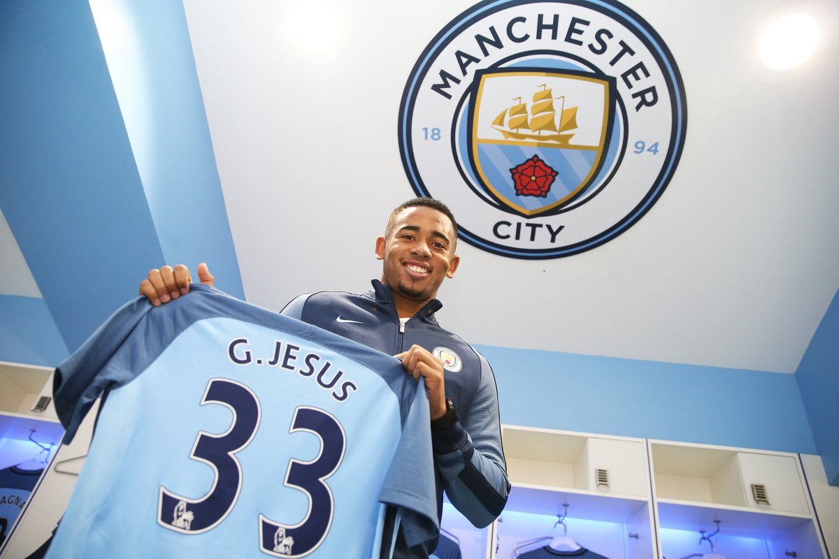 🇧🇷 Manchester City unveil new signing Gabriel Jesus #OTD in 2017 ✍️  #UCL