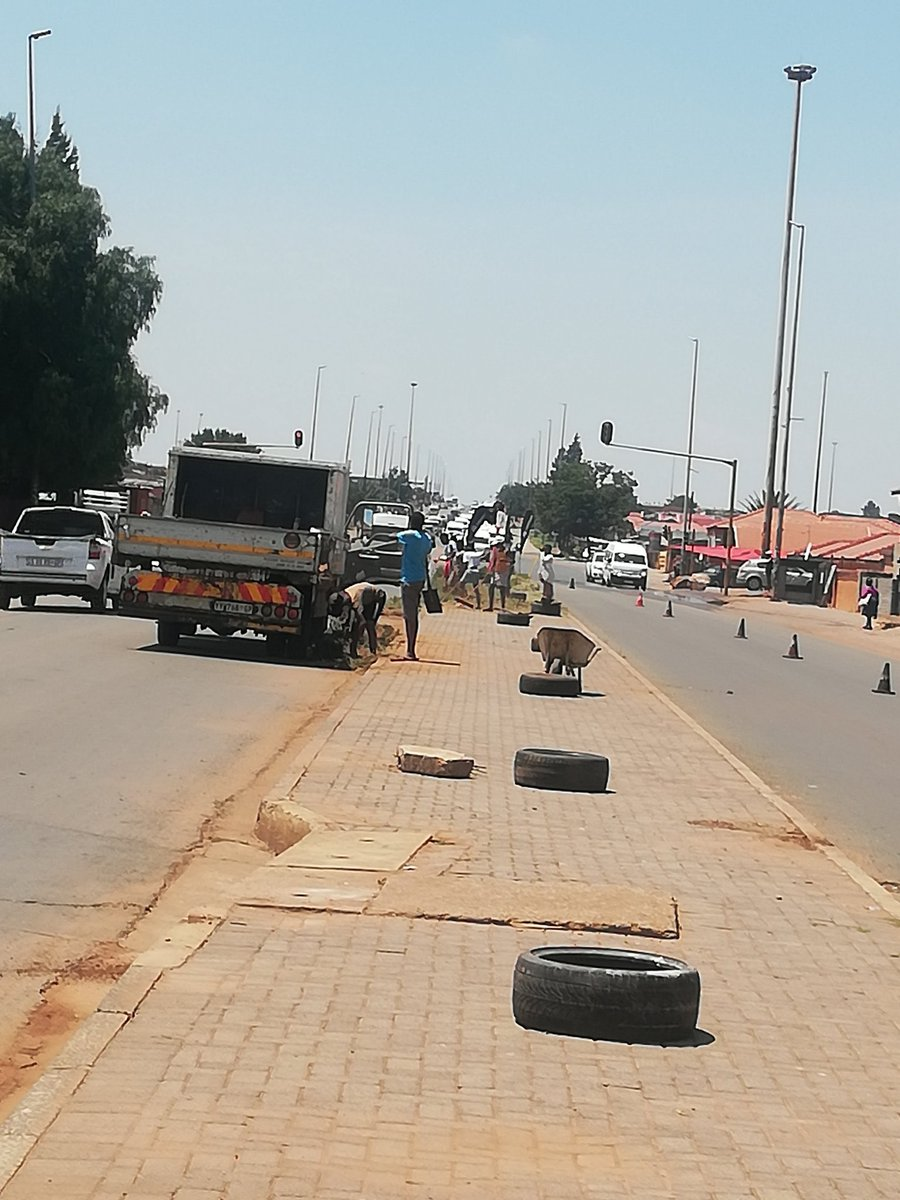 Residents of Moshweshwe Street in Vaal Zone 12 decided to clean up the road that has been unmaintained for yrs. As they ran out of paint they went to Sedibeng Municipality & they were told they dont have rights to clean the streets & they're damaging govt property by painting it