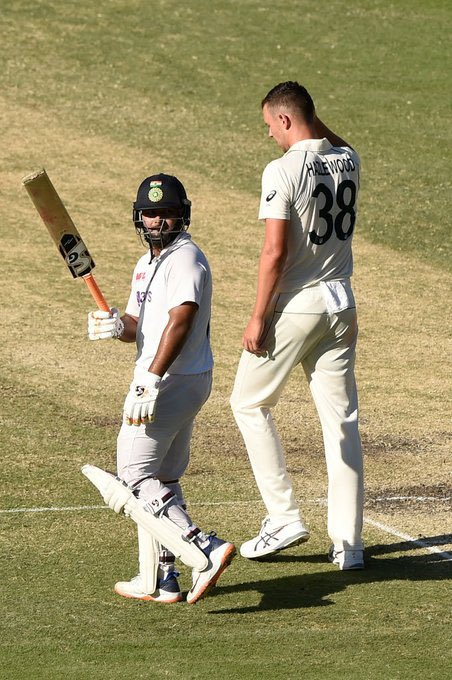 Another great milestone by my brother @RishabhPant17 achieving 1000 Test Runs at Gabba, what a beautiful sight it has been watching you play today for our country, keep going!👏 #AUSvIND ❤️❤️👌✅☝️@BCCI