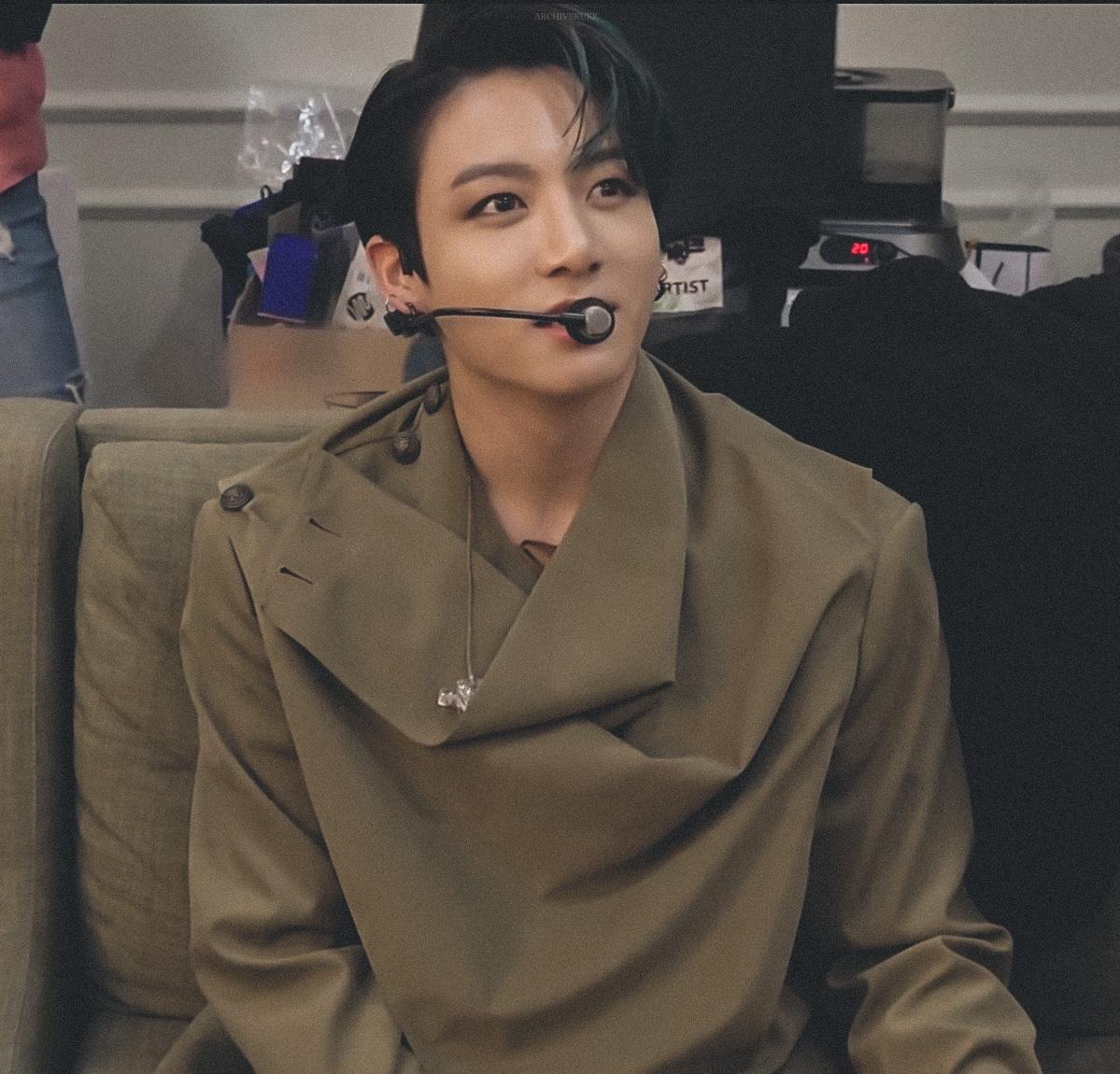 Replying to @archivekukk: jungkook ♡
