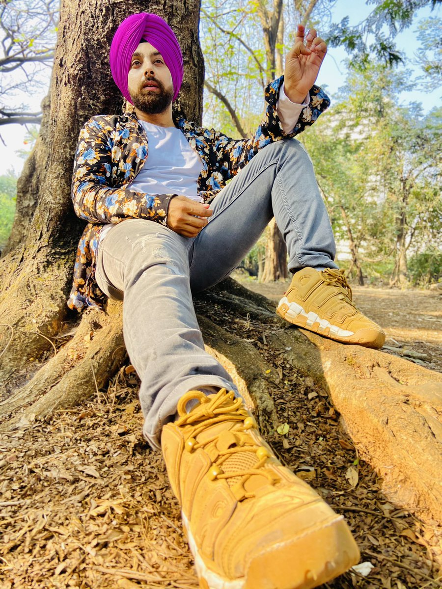 Jab bhi tumhara haunsla aasman tak jaayega .. Yaad rakhna koi na koi Pankh kaatne wala zarur aayegaa 🤫  #motivation #instagram #leadership #instagood #daily #instadaily #fashion #blogger #singh #pink #look #lookoftheday #looks #eyes #actor #location #twitter   P.c :-@kaithhanda