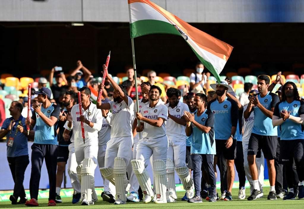 Never give up.....the perfect explaination by Indian team.!!❤️❤️  Efforts+consistency+faith = Results.  #TeamIndia #AUSvsIND #BCCI #SouravGanguly #faith #IndianCricketTeam #Respect #RishabPant @imVkohli @ajinkyarahane88 @ImRo45 @RishabhPant17 @BCCI @ICC #PROUD