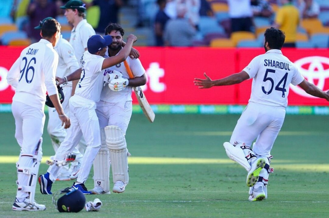 #IndiavsAustralia #AUSvINDtest #AUSvsIND #pujara #RishabPant #Siraj #dhoni #Rahane4captaincy what a game by our team love you guys  RT and Like if you agree 💓💓