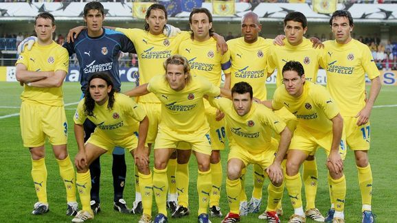 Do you remember the Villareal team of the 05/06 campaign? One step away from a Champions League final #footballretro #football #retro #retrofootball #soccerretro #retrosoccer #socceraustralia #futbol #soccer #soccerfashion #footballfashion #fifa #worldcup #villareal #laliga #uefa