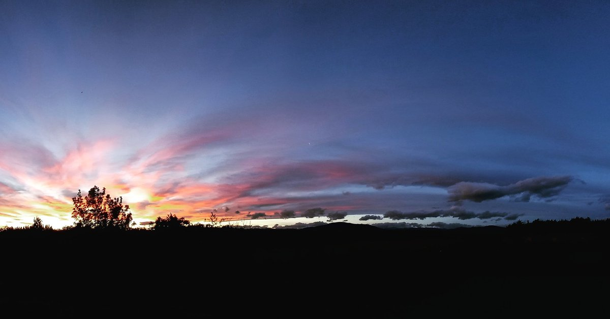 We've been having some crazy weather in North Canterbury too, the wind has been unreal today. Beautiful sunset though 😍