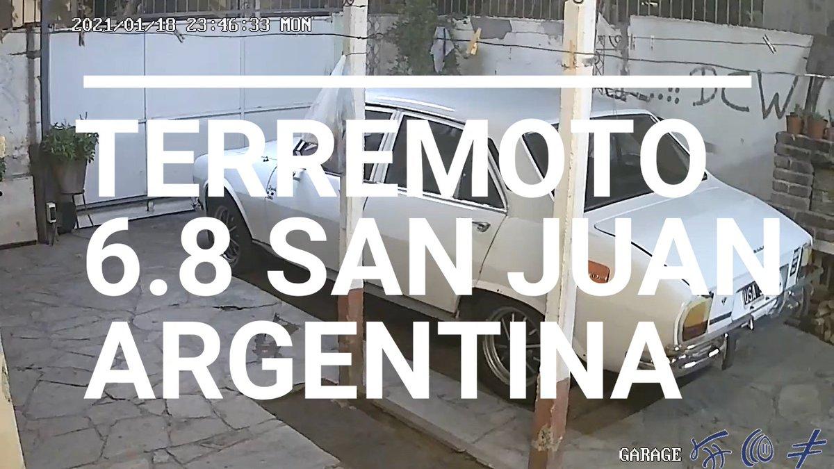 PODEROSO #Terremoto en #SanJuan #Argentina Magnitud 6.8 RECOPILACION Y TESTIMONIOS (ADVERTENCIA MATERIAL SENSIBLE) #VIDEO TRES HERIDOS Y DAÑOS ESTRUCTURALES GRAVES. #Cordoba #Mendoza #SismoArgentina #SismoEnSanjuan  https://t.co/ae0ZyZYXT2 https://t.co/v0gYzxTN6f